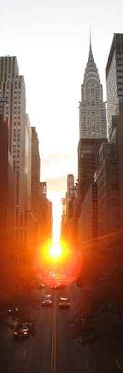 Manhattanhenge2_rotated+sharpened